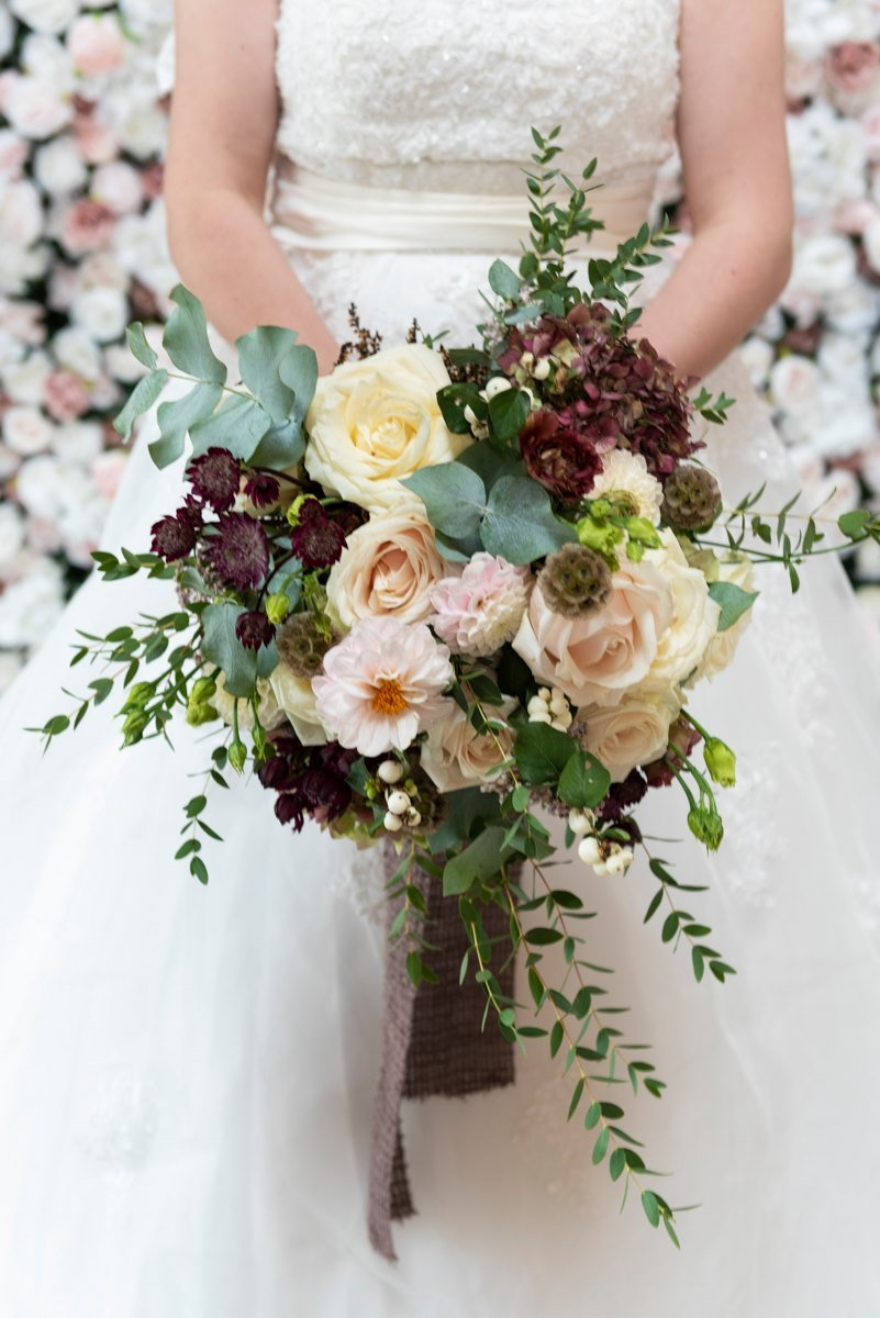 Autumn bridal bouquet with dahlia and soft pink tones