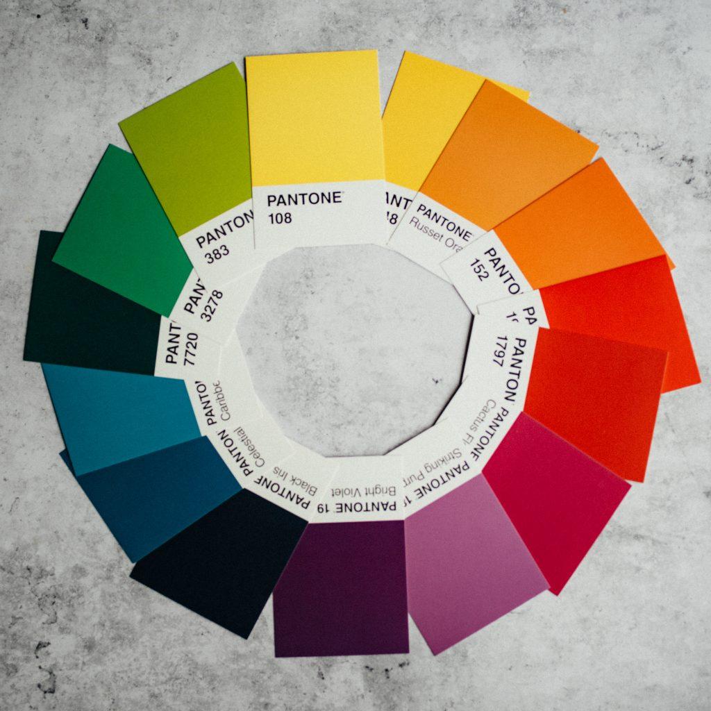 panatone colour wheel